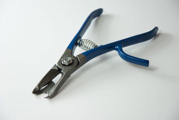 Herramienta alicate M17 tool para la recoleccion de caki diseño de discoh design para Manzana nules