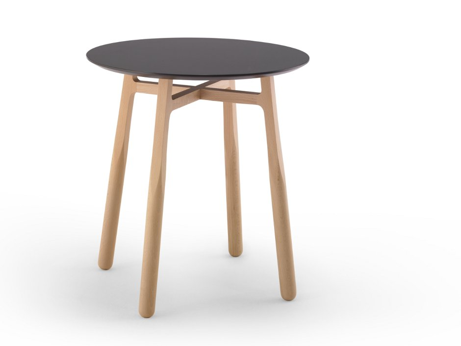 Mesita auxiliar de madera TAB diseñada por discoh design para Kendo Mobiliario