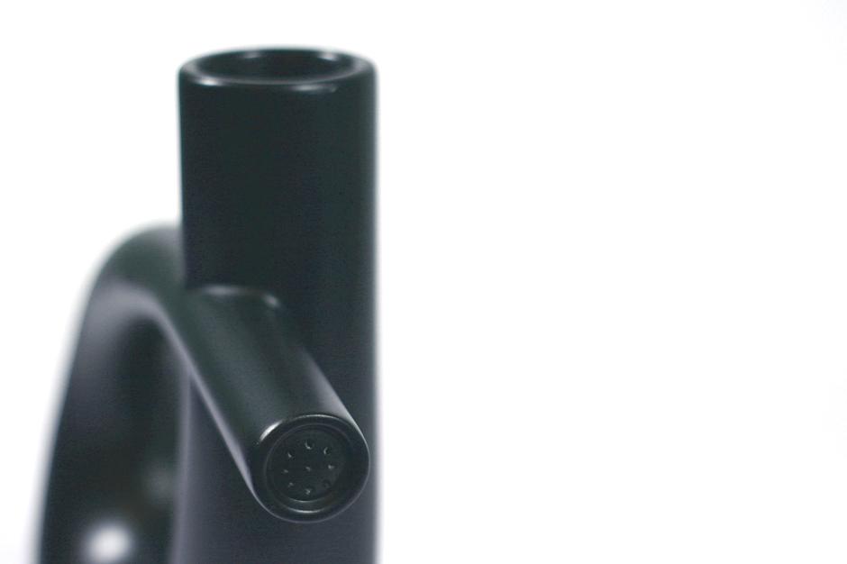 Regadera de rotomoldeo ribbon formas interseccion elegantes diseñada por diseño de discoh design