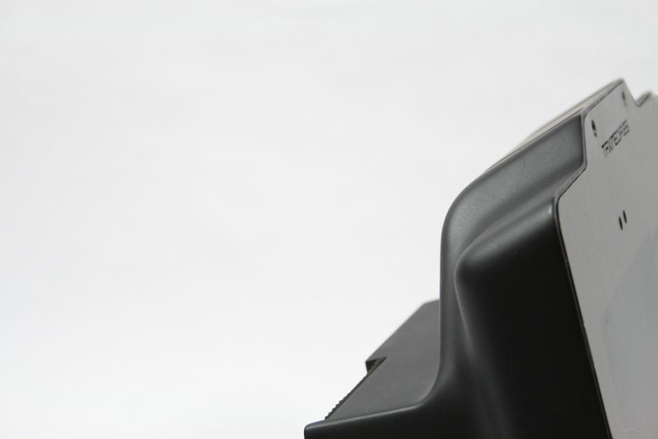 carcasa para pantalla táctil electronica diseño discoh design para miramedia taximedia