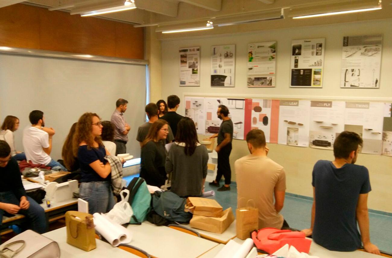 Omelette Editions en la Universidad Politécnica de Valencia tutorizando alumnos diseño de producto mobiliario