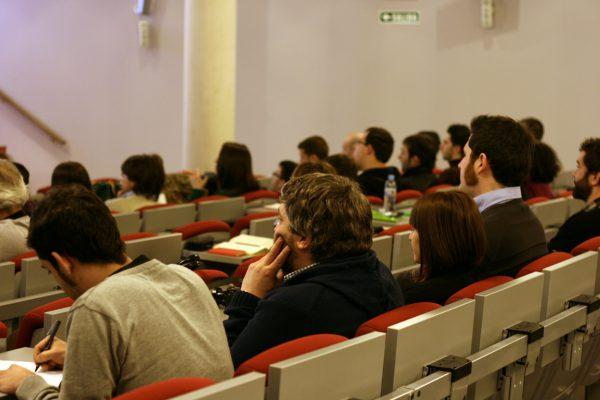 Publico en Conferencia de Kiko Gaspar y Miguel Abarca en las jornadas END2 empresa navarra y diseño