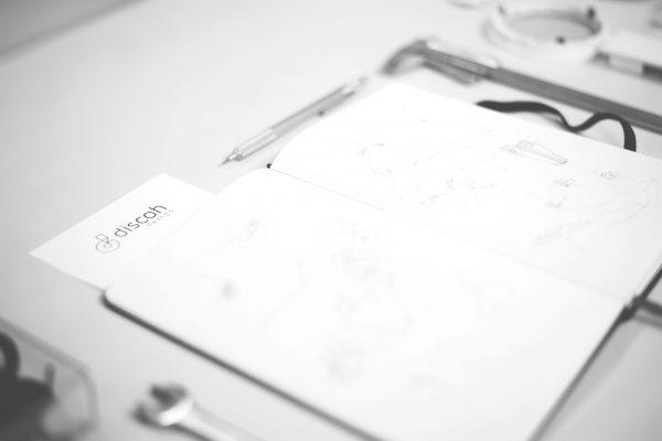 libreta moleskine notebook con bocetos, diseños y sketches del estudio discoh design en valencia