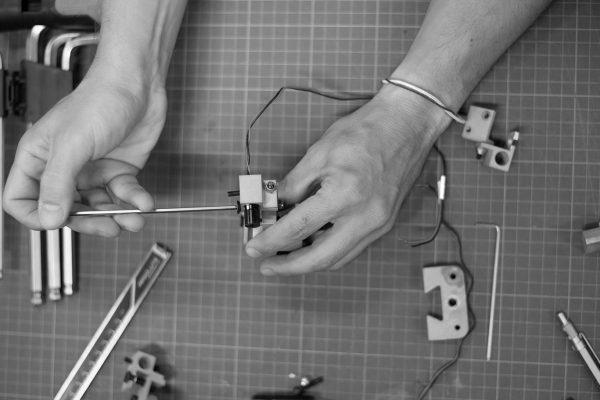 Sistema de calibración de laser desarrollado por el estudio de diseño e ingeniería discoh design