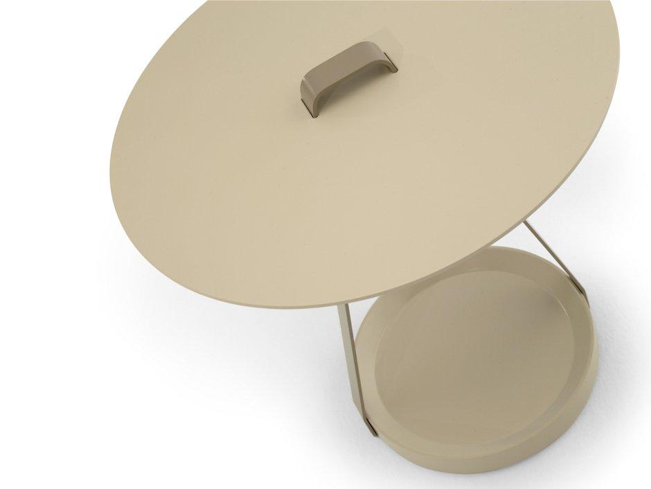 Mesita auxiliar portatil con asa Zoe diseñada por discoh design para Kendo Mobiliario