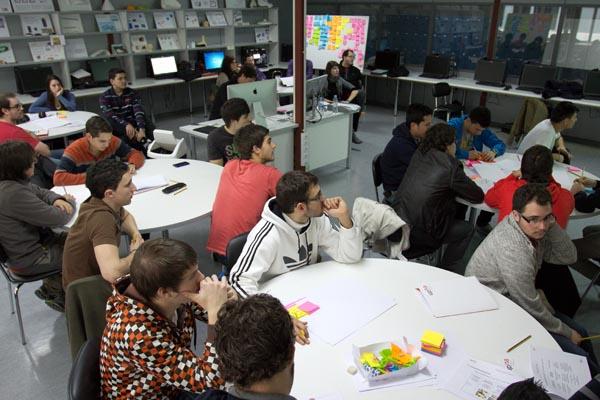 workshop de diseño y creatividad impartido por discoh design en UPNA Tudela