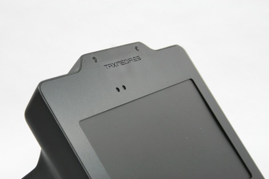 detalle plancha corte laser de la carcasa para pantalla táctil electronica diseño discoh design